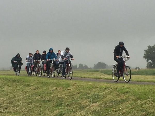 fietsen door de regen