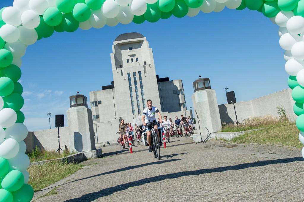 Mirre-start-vanaf-Radio-Kootwijk-uitgezwaaid-door-toeristische-ondernemers-1024×681-1