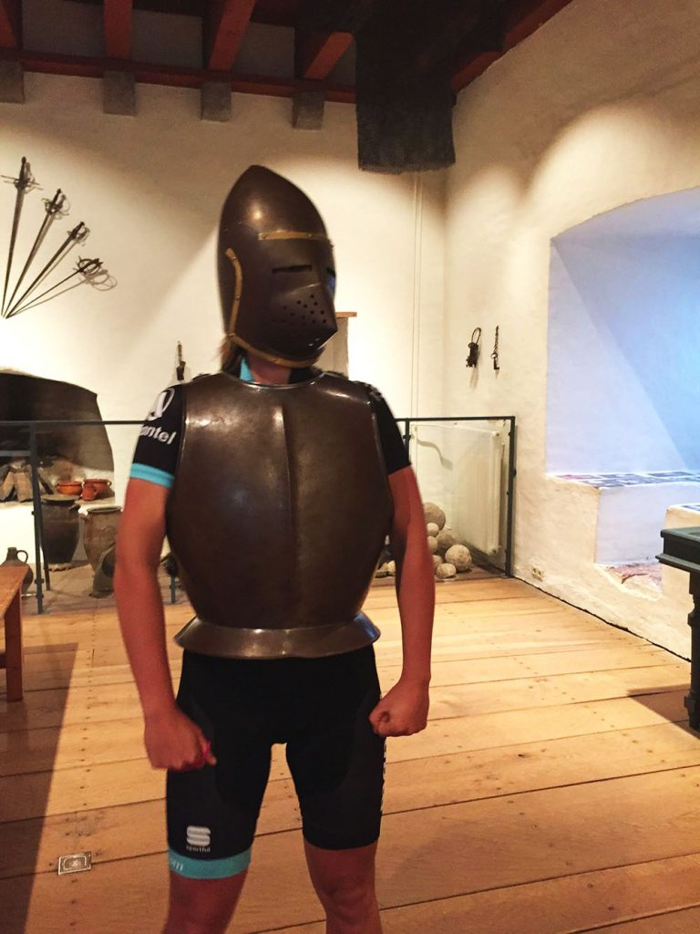 Kasteel Ammersoyen ridder 010
