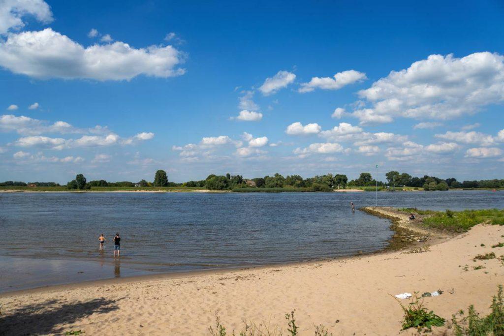 Strandje-aan-de-Waal-104