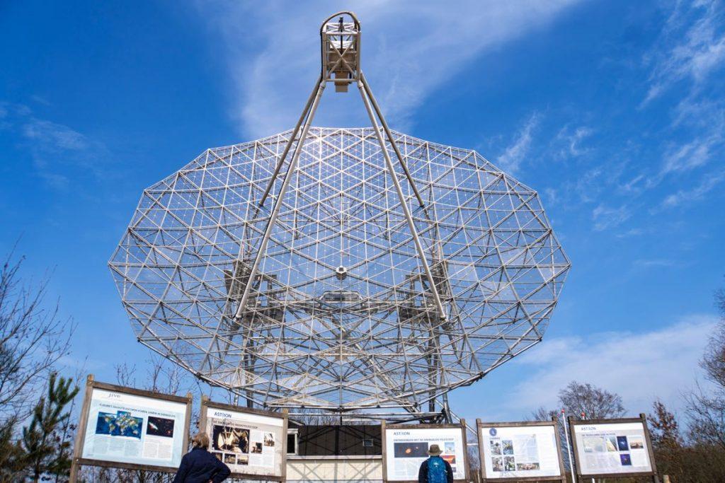 Radiotelescoop-Dwingelderveld-96